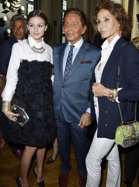<p>Una curiosa imagen tomada en el desfile de Valentino:<strong>Olivia Palermo, el diseñador italiano y Nati Abascal</strong> posan juntos.</p>
