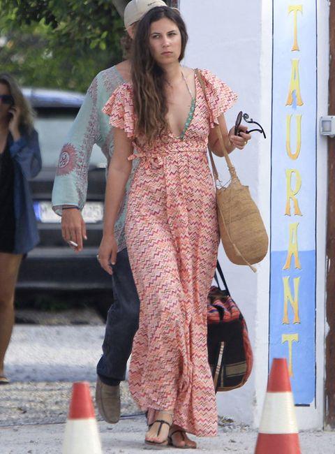 <p>Los vestidos en clave maxi son su prenda favorita, da igual que sea para asistir a una gala, a una fiesta o para ir a la playa.</p>