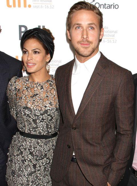 <p>Cuando a <strong>Ryan Gosling y Eva Mendes</strong> les da por un nombre lo ponen a pares. Su segunda hija se llama<strong> Amada Lee Gosling</strong>. La pequeña de la familia comparte nombre con su hermana mayor, que se llama <strong>Esmeralda Amada Gosling</strong>.</p>