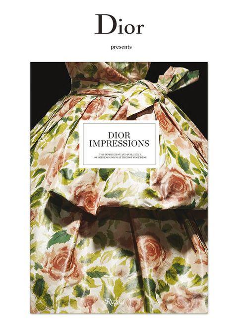<p>¿Un 'hit' para coleccionar? El libro <strong>Dior Impressions</strong>, que recoge el diálogo entre la Alta Costura de la casa y los impresionistas (35 €). ¡Fantástico!</p>