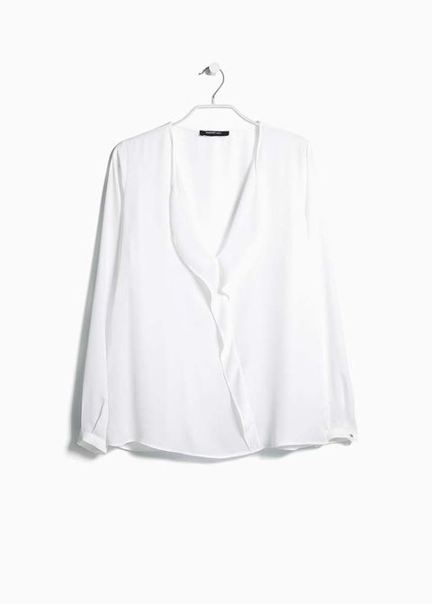 <p>Blusa de seda de&nbsp;<strong>Mango</strong>, 30 €.</p>