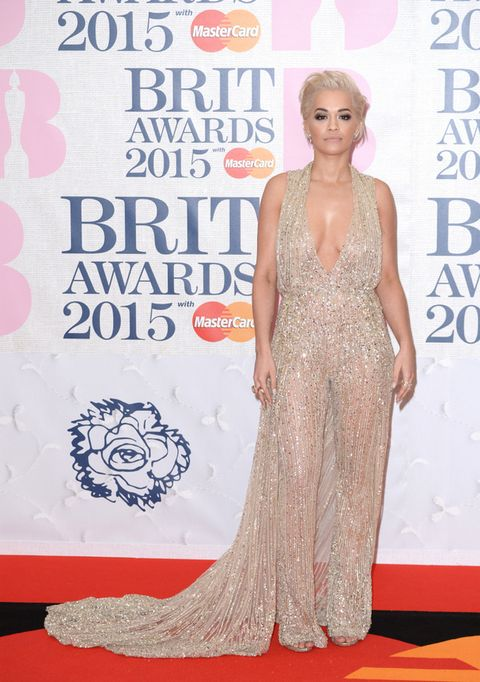 <p><strong>Rita Ora</strong> quería brillar en la alfombra roja con este vestido nude con paillettes y pronunciado escote en uve de <strong>Zuhair Murad</strong>.</p><p>&nbsp&#x3B;</p>