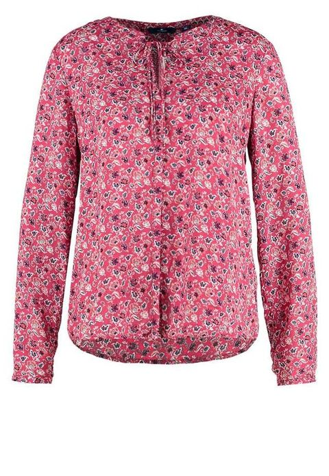 "<p>Blusa estampada, de <a href=""http://bit.ly/2bdLRKJ"" target=""_blank"">Tom Tailor</a> (39,95 euros).  </p>"