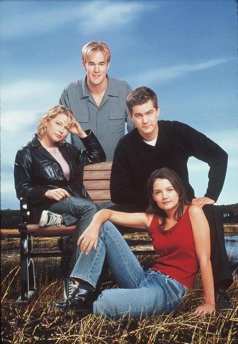 <p>Aunque ya había actuado en otras series, la fama le llegó con 18 años al participar en la serie 'Dawson crece' a Katie Holmes, James Van Der Beek y Joshua Jackson.</p>