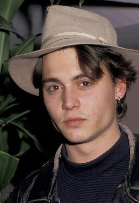 <p>Con 24 años quería aparentar ser un tipo duro, pero sus rasgos aniñados le delatan (y también el acné).</p>