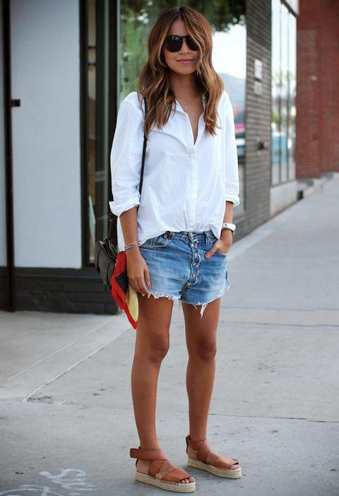 <p>La bloguera de Sincerely Jules demuestra que llevar un look 'trendy' también es cuestión de actitud.</p>