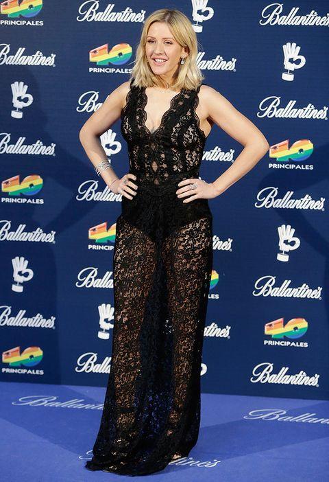 <p>La cantante británica, con un vestido largo de encaje con marcadas transparencias.</p>