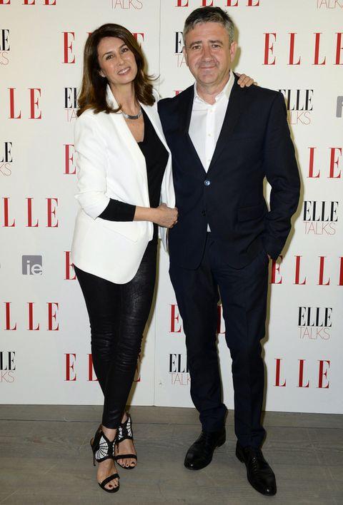<p>Ana García Siñeríz y Ramón Arangüena fueron los encargados de presentar los ELLE Talks Digital. Ana eligió un elegante outfit en blanco y negro con chaqueta y pantalones de Zara, jersey de Cruciani para Just ONe y sandalias de Aquazurra. Ramón escogió un traje de Zara.</p><p></p>