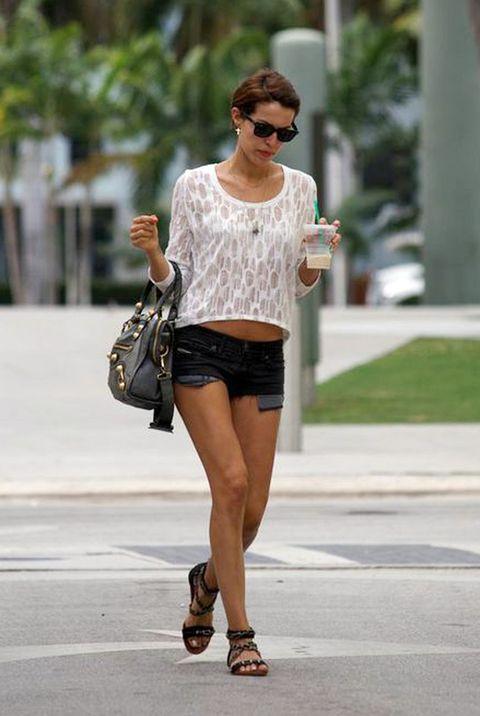 <p>La modelo Cristina Warner nos enseña su estilo de vida, sus looks y sus fichajes en un blog que nos encanta.</p>