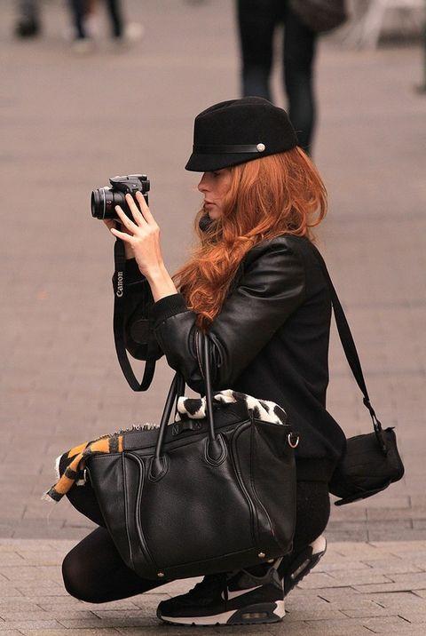 <p>Eva Álvarez es modelo y es amiga de Mirian Pérez, blogger de Honeydressing. Ha salido con un amigo a hacer fotos por el centro de Madrid. Aprovechamos nuestro encuentro para daros algún consejo sobre cómo hacer fotos para vuestros blogs.&nbsp;</p>