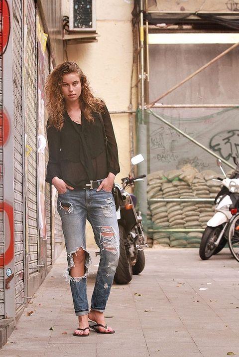 <p>Amanda Mani es modelo y vive en la plaza del mercado de Fuencarral. Nos enseña cómo llevar los vaqueros &quot&#x3B;it&quot&#x3B; de la temporada.&nbsp&#x3B;</p>