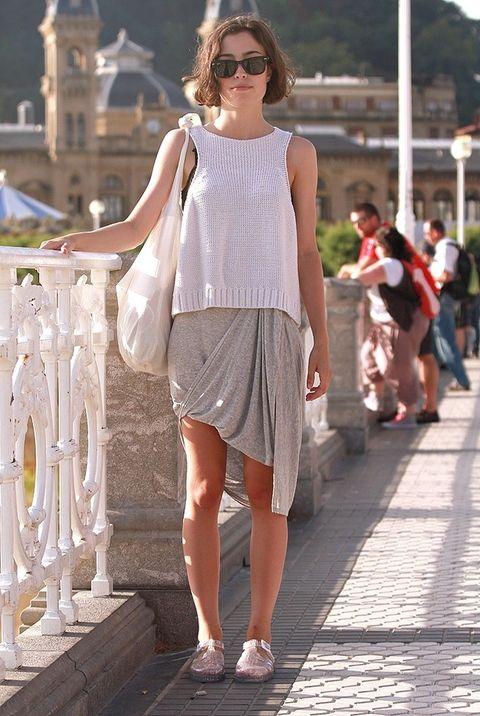 <p>Andrea Golfinger regresa a casa tras pasar un maravilloso día de playa y sol con sus amigas.</p>