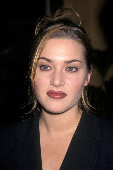 <p>Mucho ha cambiado la actriz desde esta imagen de 1998. Por suerte su maquillaje ahora es mucho más discreto y ha cambiado la forma de sus cejas.&nbsp;</p>
