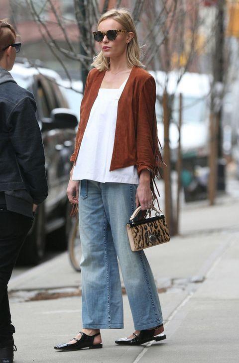 <p>El entretiempo es el momento ideal para presumir de chaqueta a la última. ¿La más buscada este otoño? Un modelo de ante como el que luce<strong> Kate Bosworth.</strong></p>