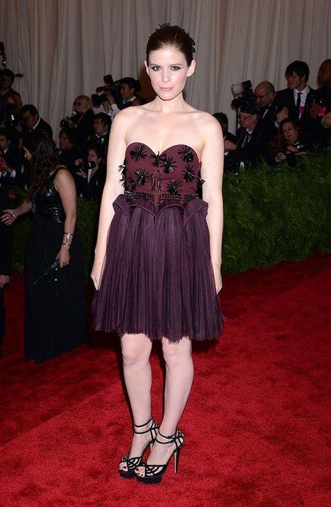 <p>La actriz eligió a <strong>Delpozo</strong> para el look a la fiesta punk que dio el Metropolitan Museum of Arts de Nueva York.</p>