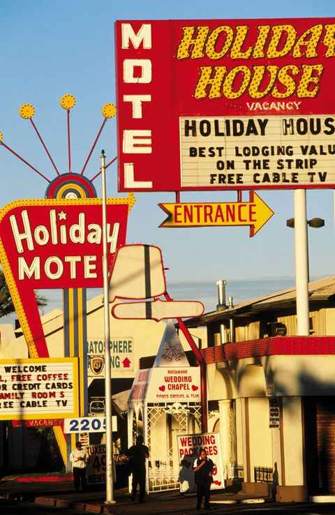 """<p>Infalible para una escapada divertida, la ciudad será más vip que nunca este año. ¿La razón? Robert de Niro y su socio y chef Nobu Matsuhisa reconvierten el veterano hotel Caesars Palace en el Nobu Hotel <a href=""""http://www.totalrewards.com/nobu"""" target=""""_blank"""">(www.totalrewards.com/nobu).</a> Tras su apertura, en febrero de 2013, tendrá habitaciones de luxe y la cocina asiática que ya fascina a las celebrities que frecuentan el Nobu Nueva York.</p>"""