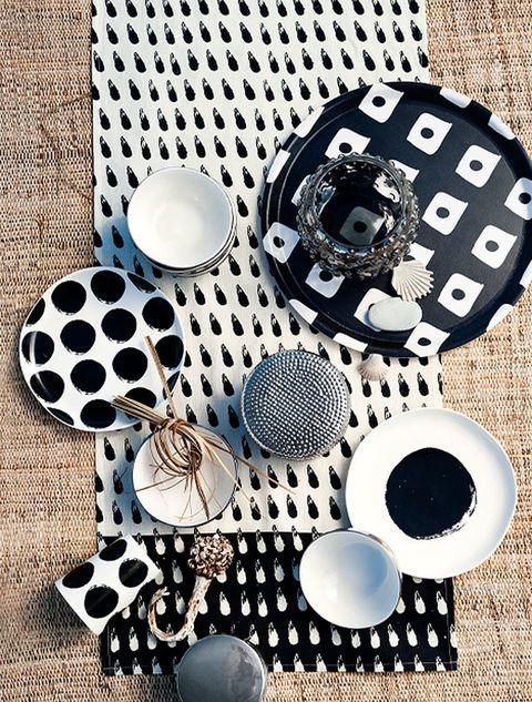<p>Vajilla, mantelería, cojines, velas, y todos los colores soñados, desde el clásico 'black&white' hasta los tonos más insospechados para recrear un ambiente más que acogedor en tu casa.</p>
