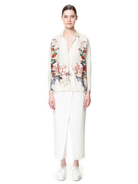 <p>Si la quieres, esta blusa <strong>cuesta 29,95 €.</strong></p>