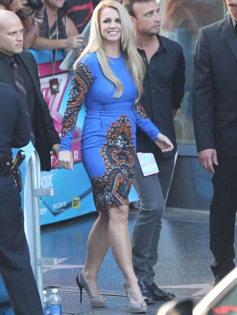 <p><strong>Britney Spears</strong> no acertó con este diseño de<strong>&nbsp&#x3B;Stella McCartney Pre-Fall 2012</strong> que le quedaba algo pequeño... Fue el look elegido para la premiere de Factor X en Los Angeles. &nbsp&#x3B;</p>