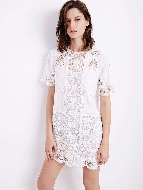 <p>Vestido brocado de<strong>Zara,</strong>60 €.</p>