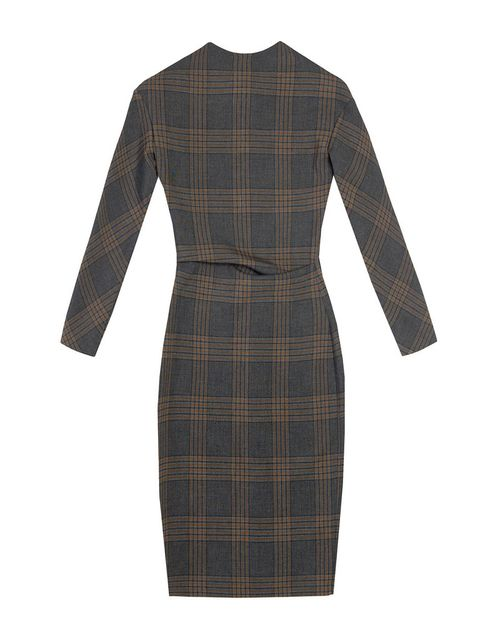<p>Enfúndate en este favorecedor vestido ajustado cuyo estampado imita un<i> kitsh</i> escocés. De <strong>Zara.</strong> &nbsp&#x3B;</p>