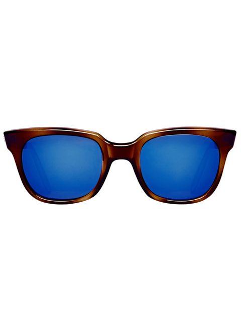 "<p>Gafas de pasta con montura marrón y cristales azules de <strong>Sheriff &amp; Cherry</strong> a través de <a href=""http://www.girissima.com/es/catalogue/brands/sheriff-cherry/"" target=""_blank"">Grissima.com</a> (200 €).</p>"