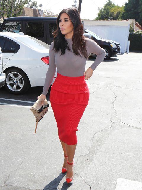 <p>Kim es amante de la moda y así lo demuestra estudiando todos sus estilismos, pero admite que le encanta comer y que es feliz haciéndolo.</p>