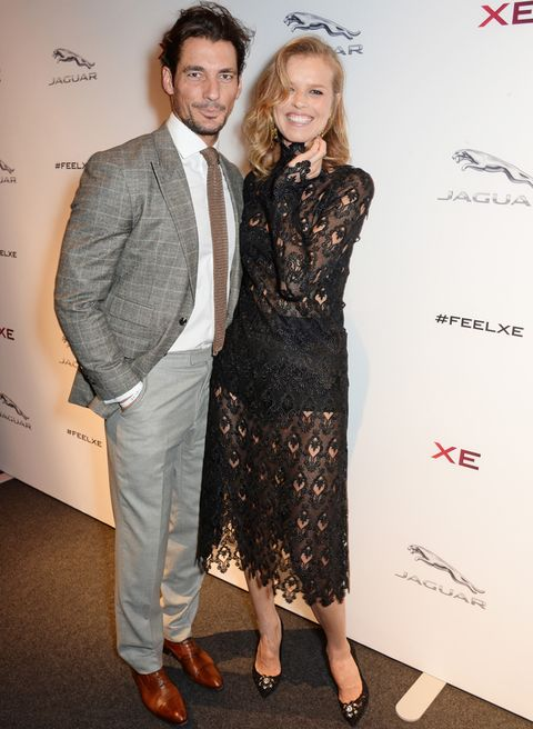 <p>Los modelos David Gandy y Eva Herzigova, cómplices en el photocall de Earls Court. </p>