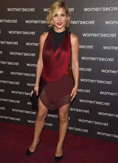 <p><strong>Elsa Pataky</strong>, protagonista del fashion film 'Dark Seduction', acudió a la cita con un minivestido de flecos en rojo y negro de <strong>Stella McCartney Primavera 2014</strong></p>