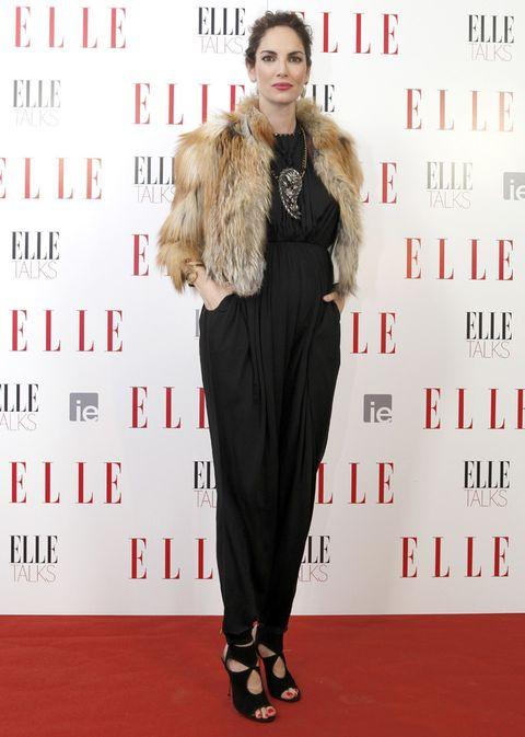 <p> La modelo presentó el evento deslumbrante vestida con un mono negro de <strong>Lanvin</strong>, sandalias con aberturas de Aquazurra y pulsera dorada de Fahoma.<br />El maquillaje y peluquería corrieron a cargo de <strong>Pedro Cedeño</strong> (Talents) para <strong>Chanel y GHD.</strong></p>