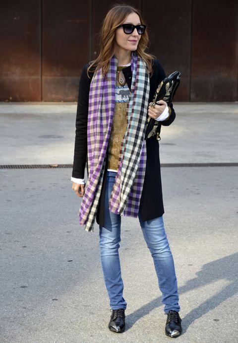 <p>Hoy es el día perfecto para este tipo de looks, con complementos que le dan el sello personal al look.</p>