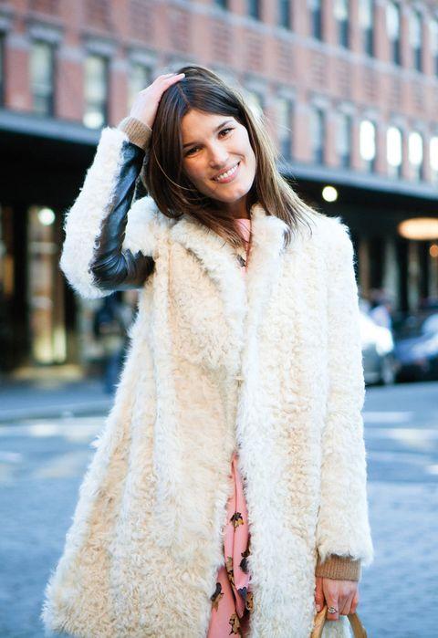 <p>Dulce como un algodón de azúcar con este abrigo de borreguito. ¿Ya apetece algo así, verdad?</p>