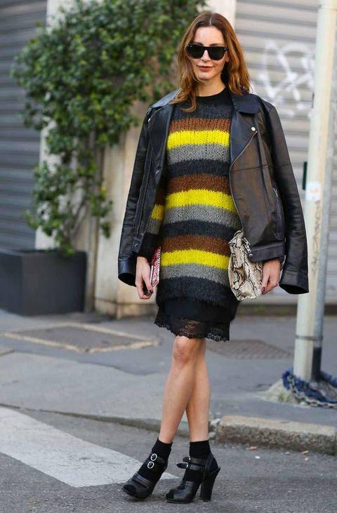 <p>Vestido lencero con jersey XL de rayas multicolor y cazadora perfecto.</p>