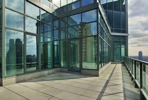 <p>La vivienda, situada en el piso 36, dispone de dos increíbles terrazas.</p>
