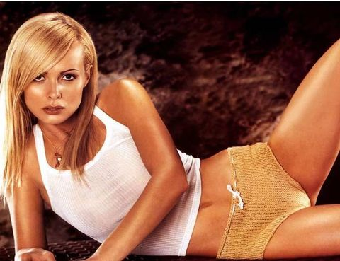 <p>Acompañó a <strong>Pierce Brosnan</strong> en el debut del actor como James Bond. Fue en la película <i><strong>GoldenEye</strong></i> (1995) y su papel, <strong>Natalya Simonova.</strong></p>