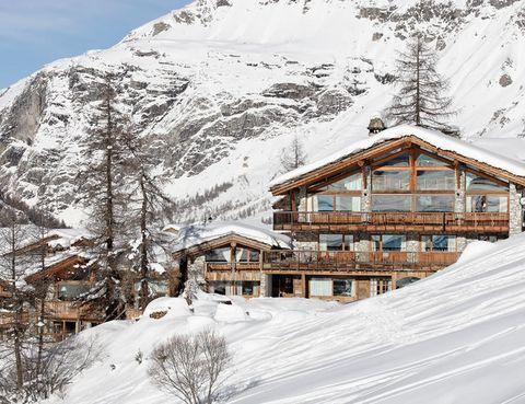 "<p><strong>Le Chardon Mountain Lodges</strong> son cinco acogedores chalets en el corazón de la estación de Val d'Isère. Más info. <a href=""http://www.lechardonvaldisere.com/"" target=""_blank"">www.lechardonvaldisere.com</a></p>"