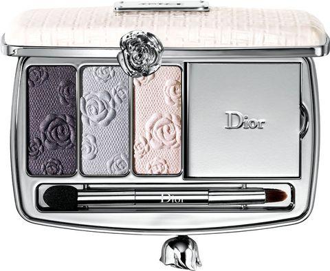 """<p>""""Dior Garden Clutch""""<i> (75 €), </i>de <strong>Dior.</strong></p><p></p>"""