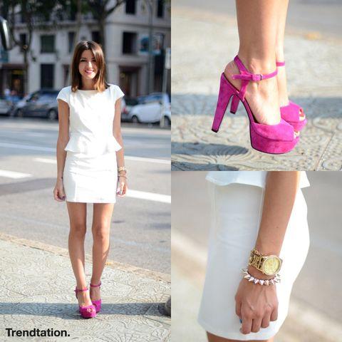<p>Alexandra se apunta a la tendencia peplum con un favorecedor vestido con volante a la cintura, que combina con unas preciosas sandalias de color rosa fucsia de la marca Again & Again. ¡Sencilla pero perfecta!</p>