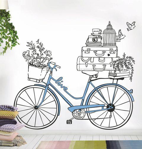 """<p>""""Viajar en bici es una manera de visitar más cosas en menos tiempo (por ejemplo, visitas por los carriles bici de la ciudad, vías verdes entre diferentes poblaciones...), pero sobre todo se trata de una forma de viajar de manera más saludable"""", nos cuenta <strong>Rut Farrés</strong>, miembro del equpo de <a href=""""http://bikefriendly.bike/"""" target=""""_blank"""">Bikefriendly</a>, un sello que certifica alojamientos turísticos para ciclistas y empresas """"amigas de la bici"""", divididos en diferentes categorías (según su grado de adaptación, la clasificación 'Special Seven' es la más completa, por ofrecer una mayor cantidad de servicios orientados al ciclista).</p>"""