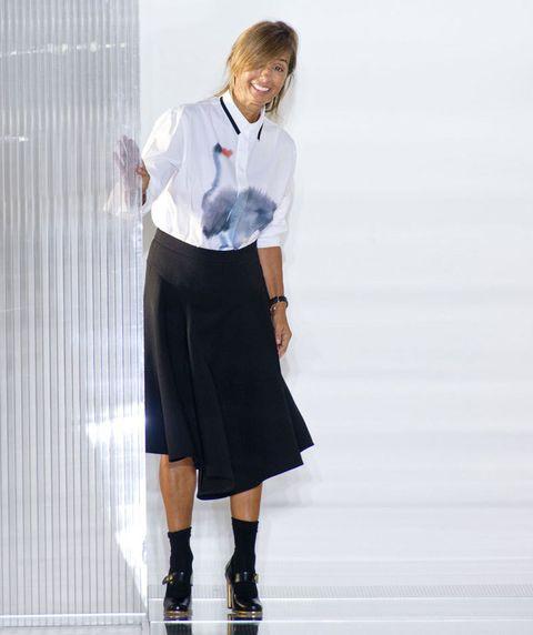 <p>Fundadora y directora creativa de Marni,&nbsp;<strong>Consuelo Castiglioni</strong>, sus salidas sobre la pasarela son toda una lección de estilo italiano. Siempre con toques muy originales.</p>