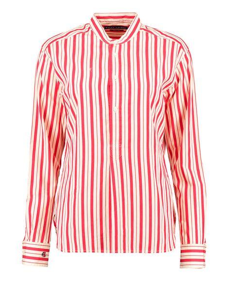 <p>Apostamos que llevará un vestido camisero o camisa de rayas rojas y blancas, como ésta de <strong>Ralph Lauren (48 €) de venta en&nbsp;Tk Maxx.&nbsp;</strong></p>