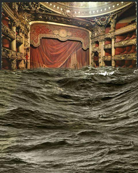 <p>Pablo Genovés, uno de nuestros fotógrafos más personales, expone en <strong>Loewe Gran Vía</strong> algunas de sus últimas y geniales obras. Como hilo conductor está la naturaleza, que en forma de agua, arena o hielo, se instala en espacios emblemáticos de la cultura para generar impactantes y sobrecogedoras imágenes. <strong>Del 15 de noviembre al 8 de enero.</strong></p>