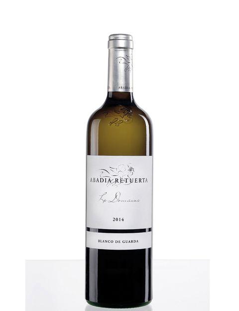 <p>Este vino, su primer y único blanco (elaborado con sauvignon blanc) es uno de los grandes aciertos de Abadía Tetuerta. Si quieres sorprender en tu próxima cena, pídelo (21,90 €).</p>