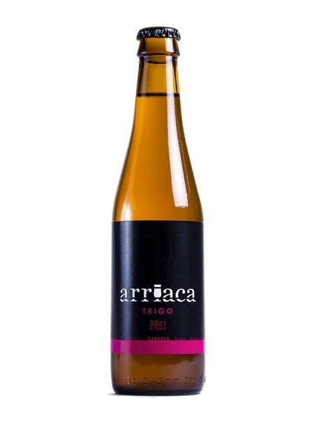 """<p>La cerveza&nbsp;<strong>Arriaca</strong>&nbsp;tiene un nombre que rinde homenaje a un asentamiento celtíbero que existía en Guadalajara. Con cuatro especialidades a sus espaldas, abogan por una producción con productos de proximidad y con un saber hacer 100% natural y simple. &quot;Utilizamos sólo los productos necesarios para elaborar cerveza: &nbsp;agua, malta, lúpulo y levadura. Ni más, ni menos&quot;, dicen sus artífices.&nbsp;<strong>+info:</strong> <a href=""""http://www.arriaca.es/"""" target=""""_blank"""">arriaca.es</a>.</p>"""