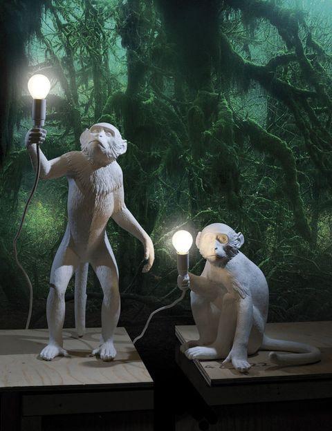 <p>Lámparas <i>Monkey,</i> de Seletti, desde 195 €/cu.</p>