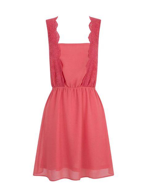 <p>Vestido retro de corte lencero de Suiteblanco, 32,99 €.</p>