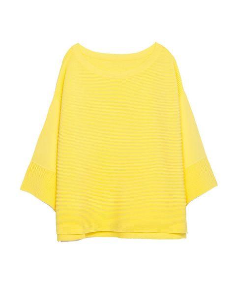 <p>Jersey amarillo efecto poncho de 29,95 €.</p>