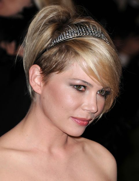 Peinados para pelo corto con accesorios