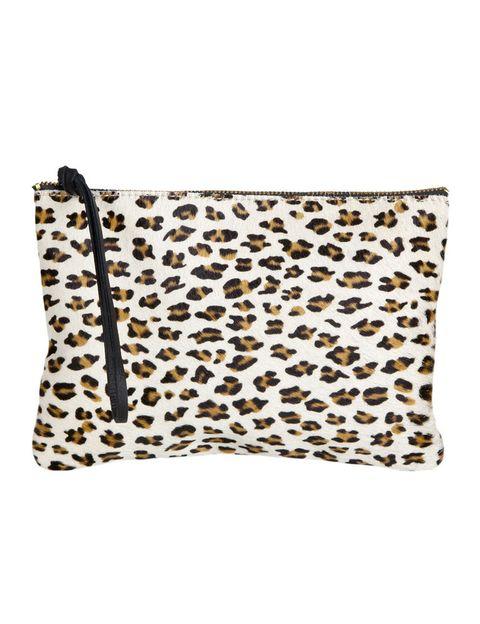 <p>Neceser con 'print' animal (19,99 €), de <strong>Zara Home</strong>. </p>
