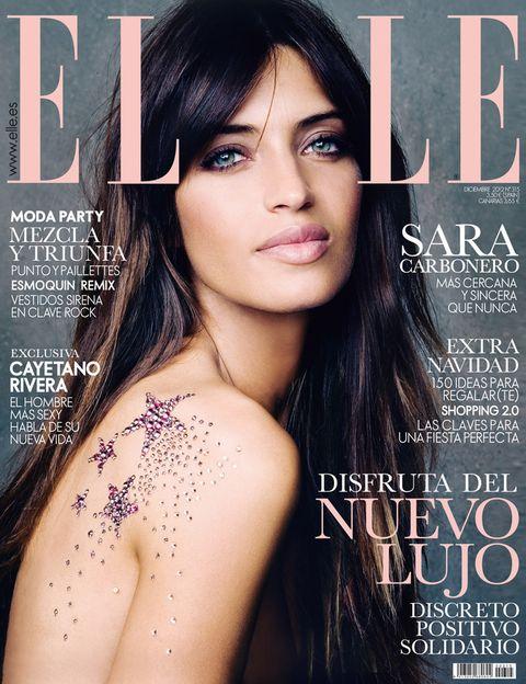 <p>En 2012 el lujo seguía siendo el protagonista del número de diciembre de ELLE pero esta vez presentamos una versión renovada: más discreto, positivo y solidario. La protagonista no podía ser otra que <strong>Sara Carbonero</strong>.&nbsp;</p>